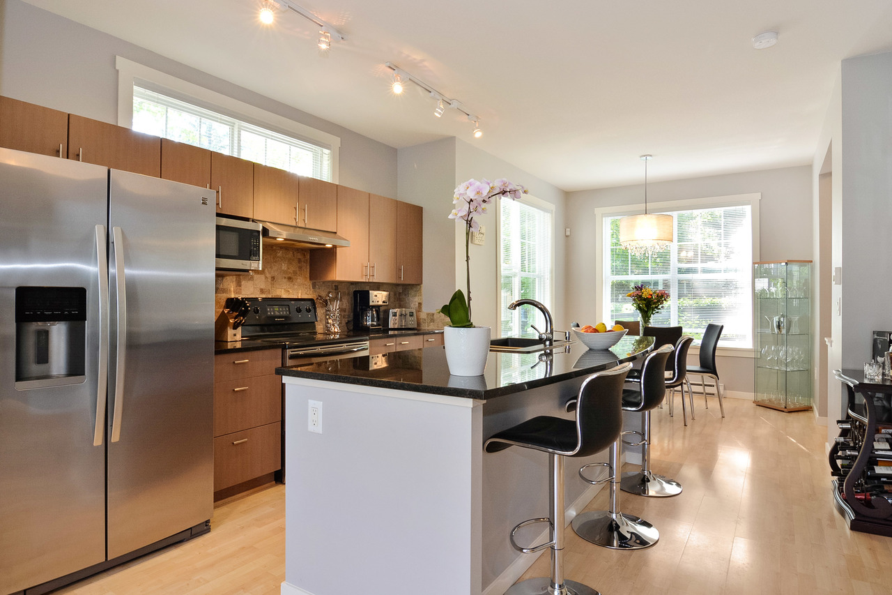 06-2 at 88 - 15075 60 Avenue, Sullivan Station, Surrey