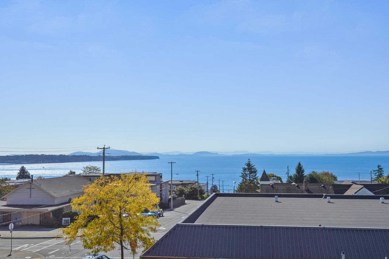 13 at 304 - 15284 Buena Vista Avenue, White Rock, South Surrey White Rock
