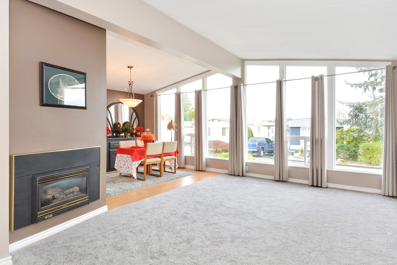 05 at 40 - 2120 King George Boulevard, King George Corridor, South Surrey White Rock