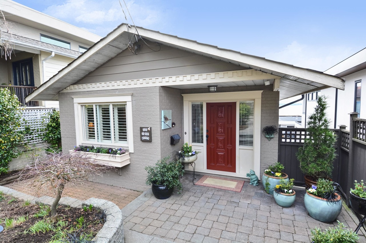 02 at 15062 Beachview Avenue, White Rock, South Surrey White Rock