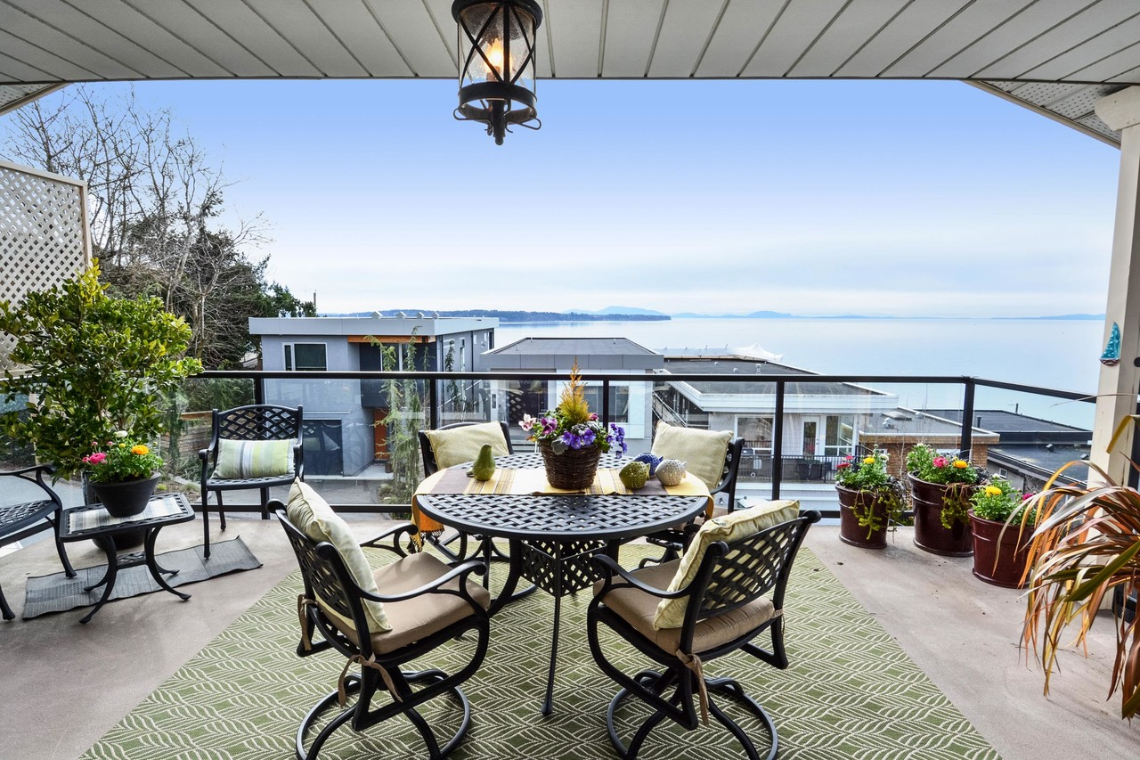 15 at 15062 Beachview Avenue, White Rock, South Surrey White Rock