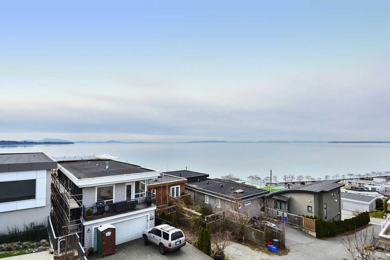 17 at 15062 Beachview Avenue, White Rock, South Surrey White Rock