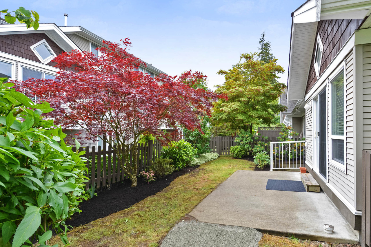 19 at 74 - 15133 29a Avenue, South Surrey White Rock