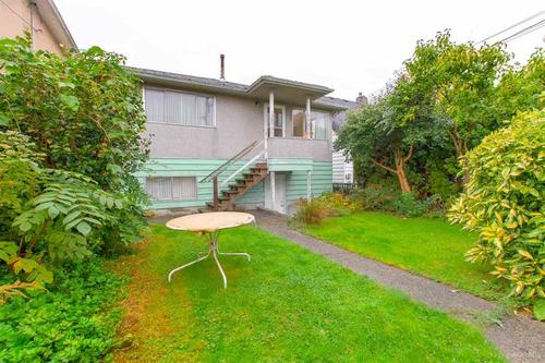 014 at 3092 E. 5th Avenue, Renfrew VE, Vancouver East