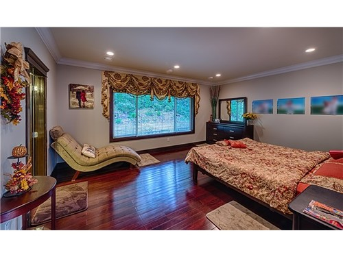 fb8a1a96d8640b31e4a8bbeb5823cec45c2d5d99 at 3786 Emerald Drive, Edgemont, North Vancouver