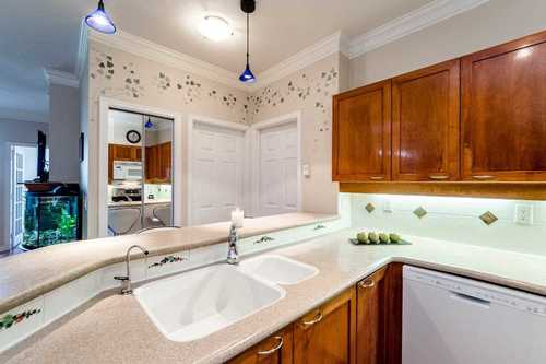 67dbe26d0ca8b80f665668d4bd96e6ca3380d5ea at 301 - 131 W 3rd Avenue, Lower Lonsdale, North Vancouver