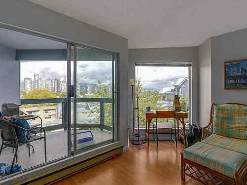 13d55ff693887419a403a134abfbde0d60cb7975 at 307 - 1355 W 4th Avenue, False Creek, Vancouver West