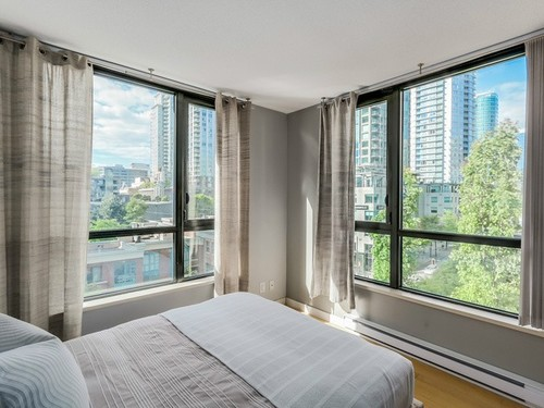 b5a3d208095101f18bd5f37f1606a44fef1c6dda at 704 - 928 Homer Street, Yaletown, Vancouver West