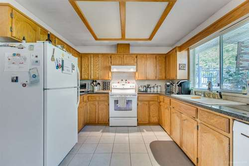 20231-stanton-avenue-southwest-maple-ridge-maple-ridge-07 at 20231 Stanton Avenue, Southwest Maple Ridge, Maple Ridge