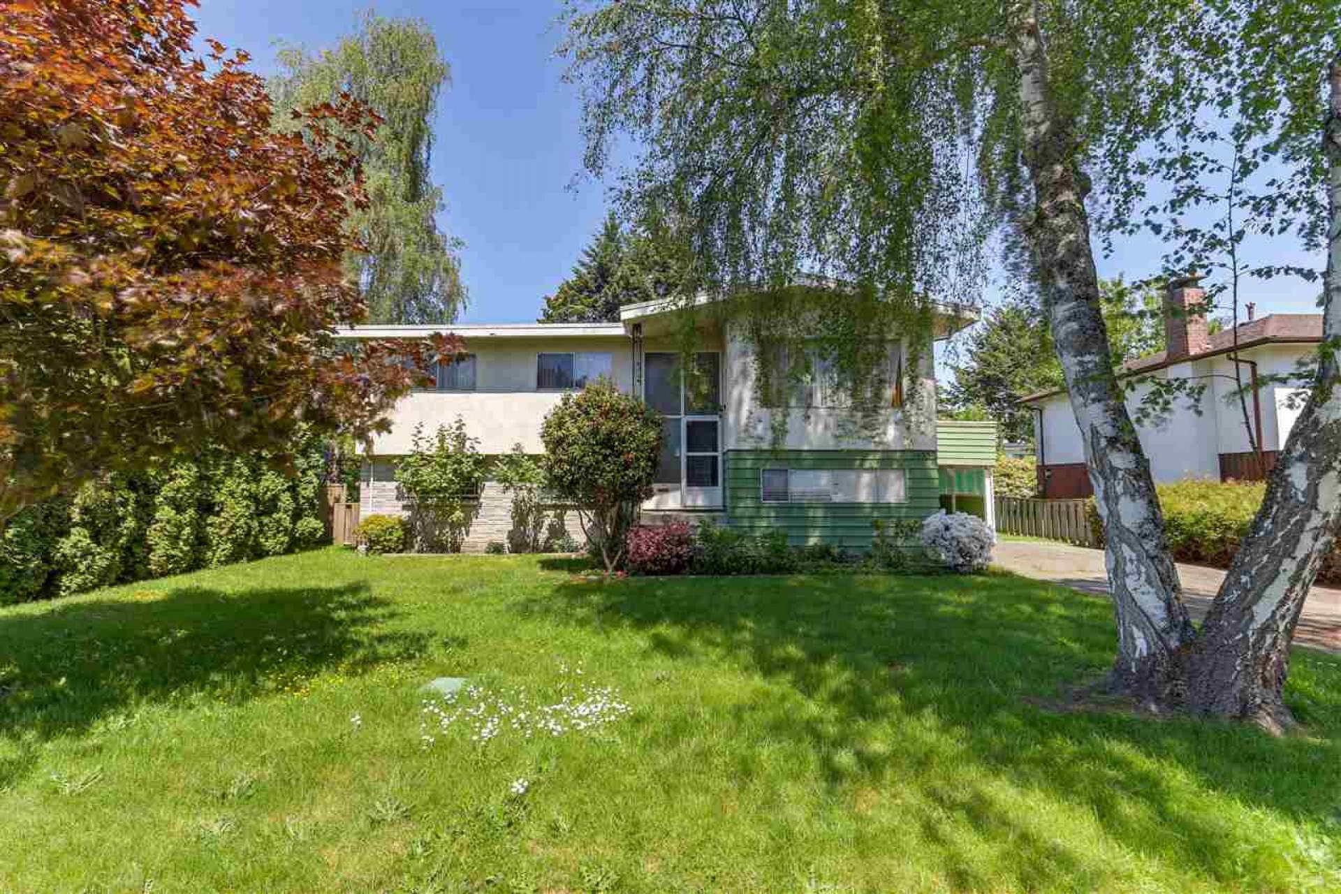8835 Cook Crescent, Brighouse, Richmond