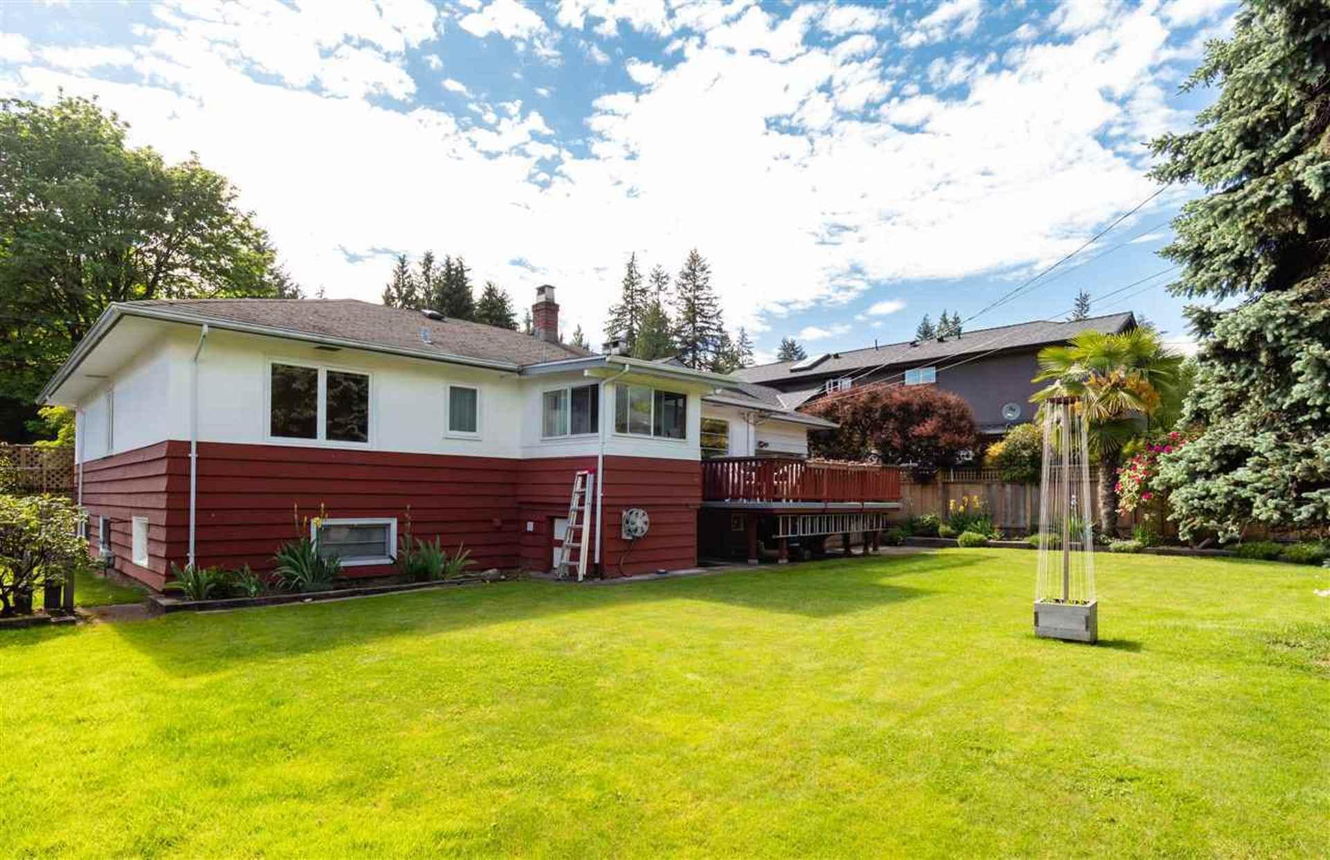2902 Crescentview Drive, Edgemont, North Vancouver