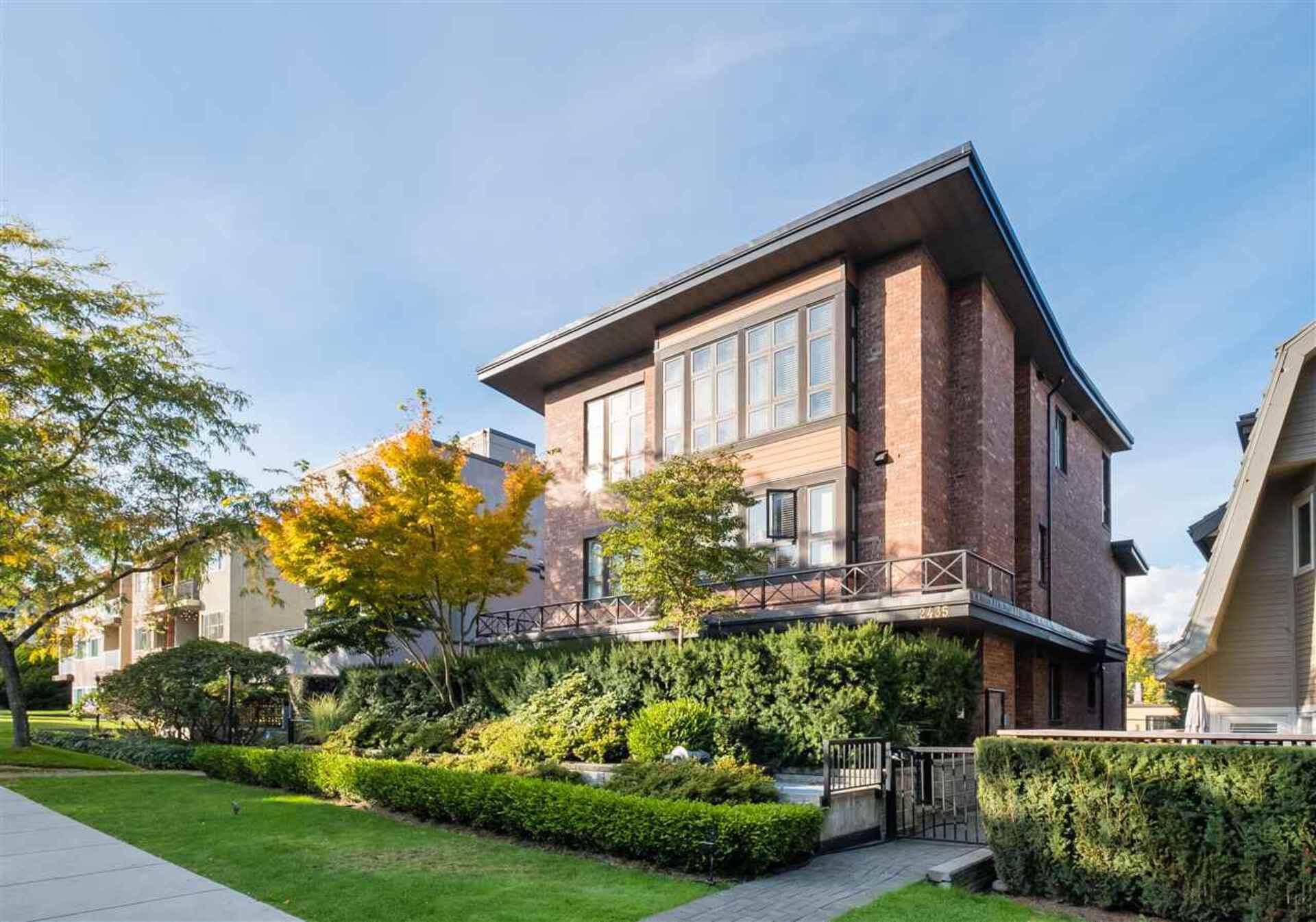 2 - 2435 W 1st Avenue, Kitsilano, Vancouver West