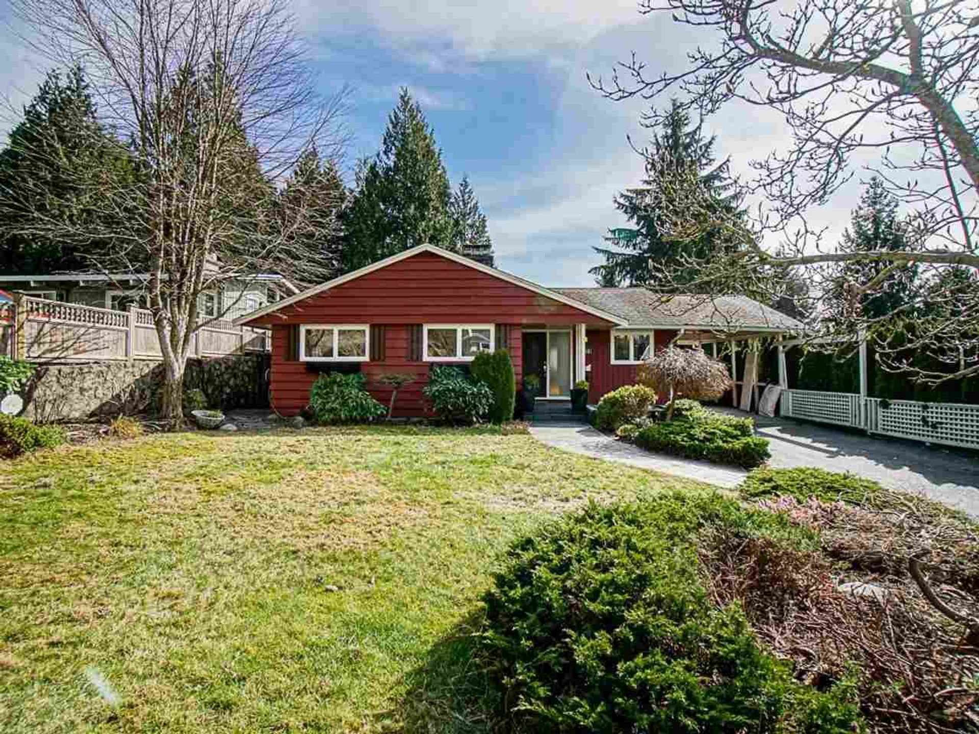 4553 Marineview Crescent, Canyon Heights NV, North Vancouver