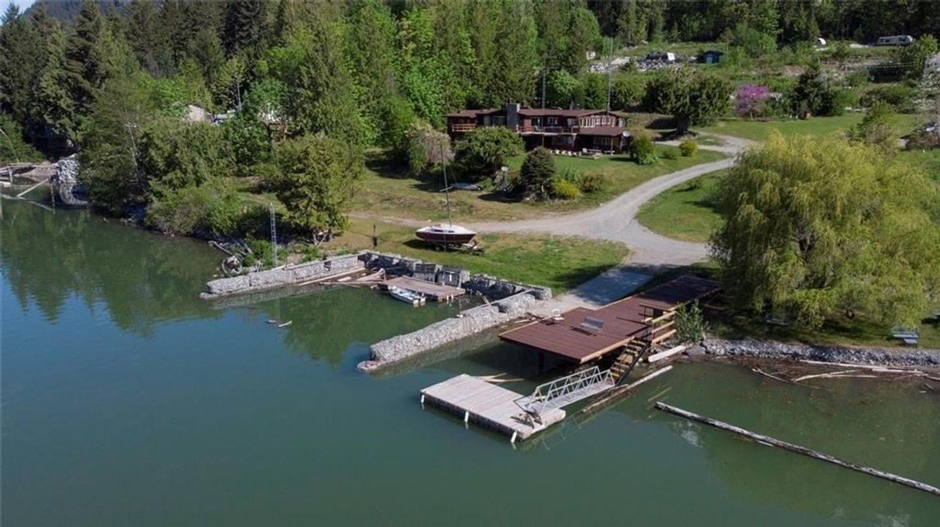 Lot 1 , Lillooet Lake, Pemberton