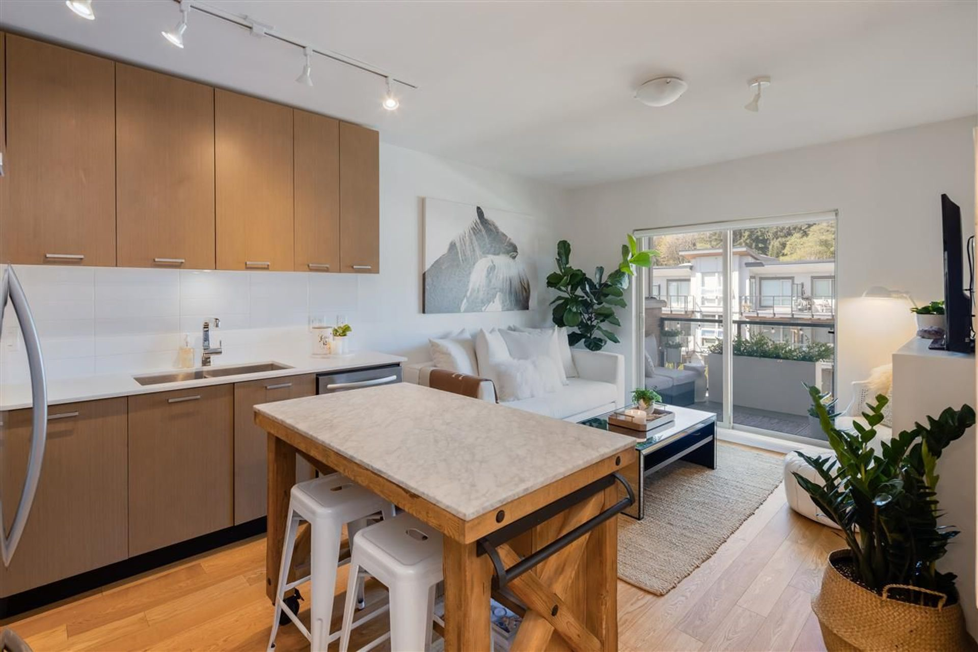 401 - 1182 W 16th Street, Norgate, North Vancouver