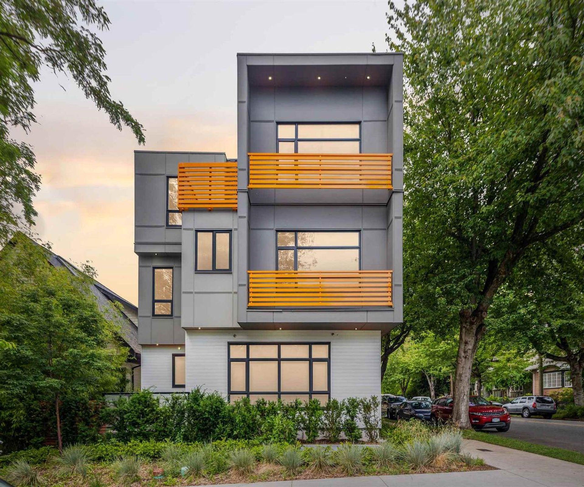 1185 Victoria Drive, Grandview Woodland, Vancouver East