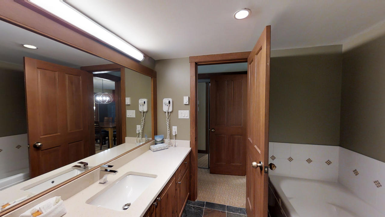 304 G3 Horstman House Ensuite at 304 G3 - 4563 Blackcomb Way, Benchlands, Whistler