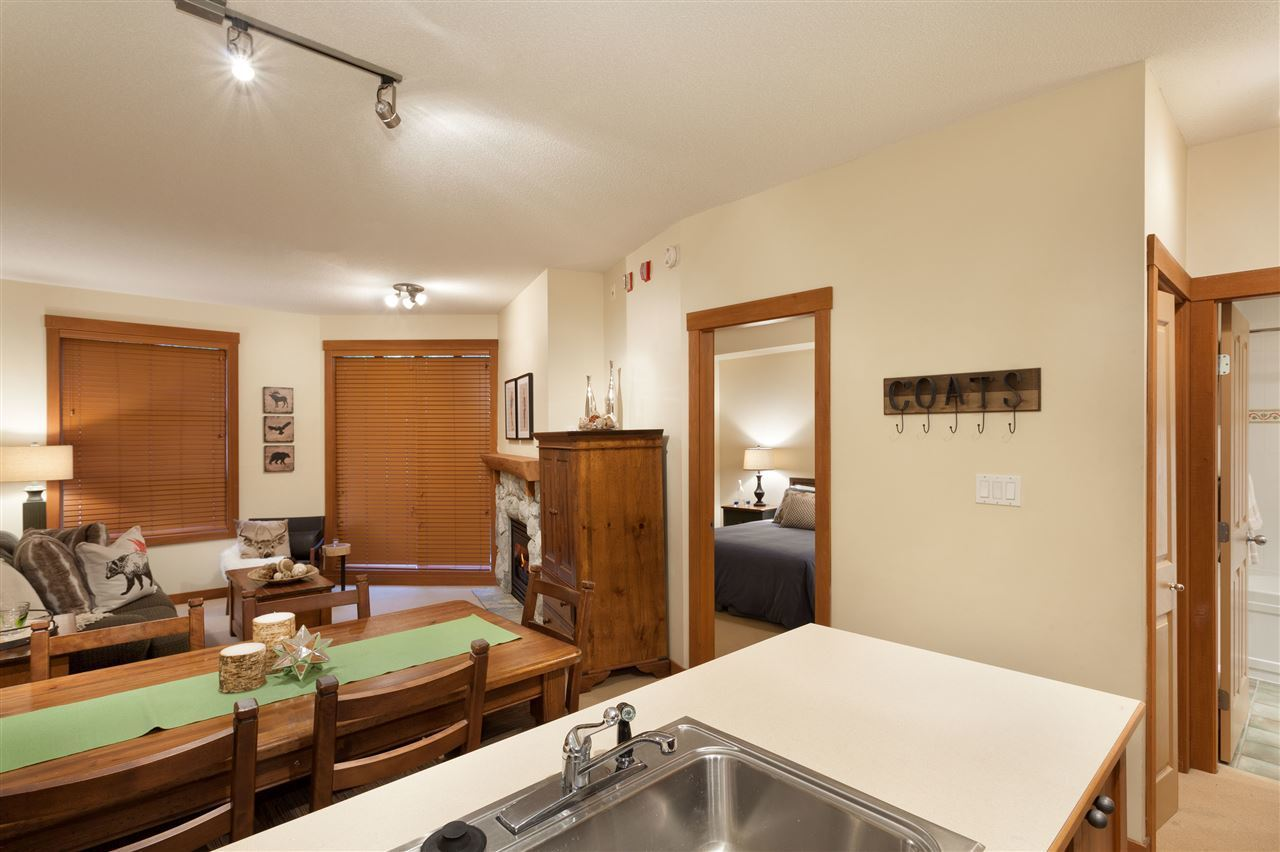 4660 216 Blackcomb Way Kitchen Dining at 216 - 4660 Blackcomb Way, Benchlands, Whistler
