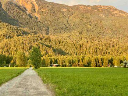 390-dill-road-pemberton-meadows-pemberton-18 at 390 Dill Road, Pemberton Meadows, Pemberton