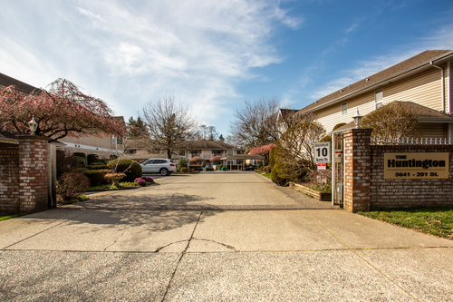 232-5641-201st-langley-360hometours-02 at