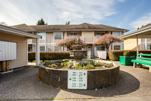 232-5641-201st-langley-360hometours-04 at
