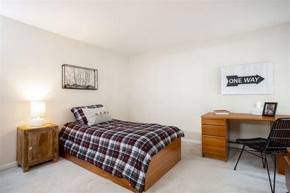 2425-edgemont-boulevard-hamilton-north-vancouver-13 at 4 - 2425 Edgemont Boulevard, Hamilton, North Vancouver