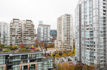 27 at 1305 - 1055 Homer Street, Yaletown, Vancouver West