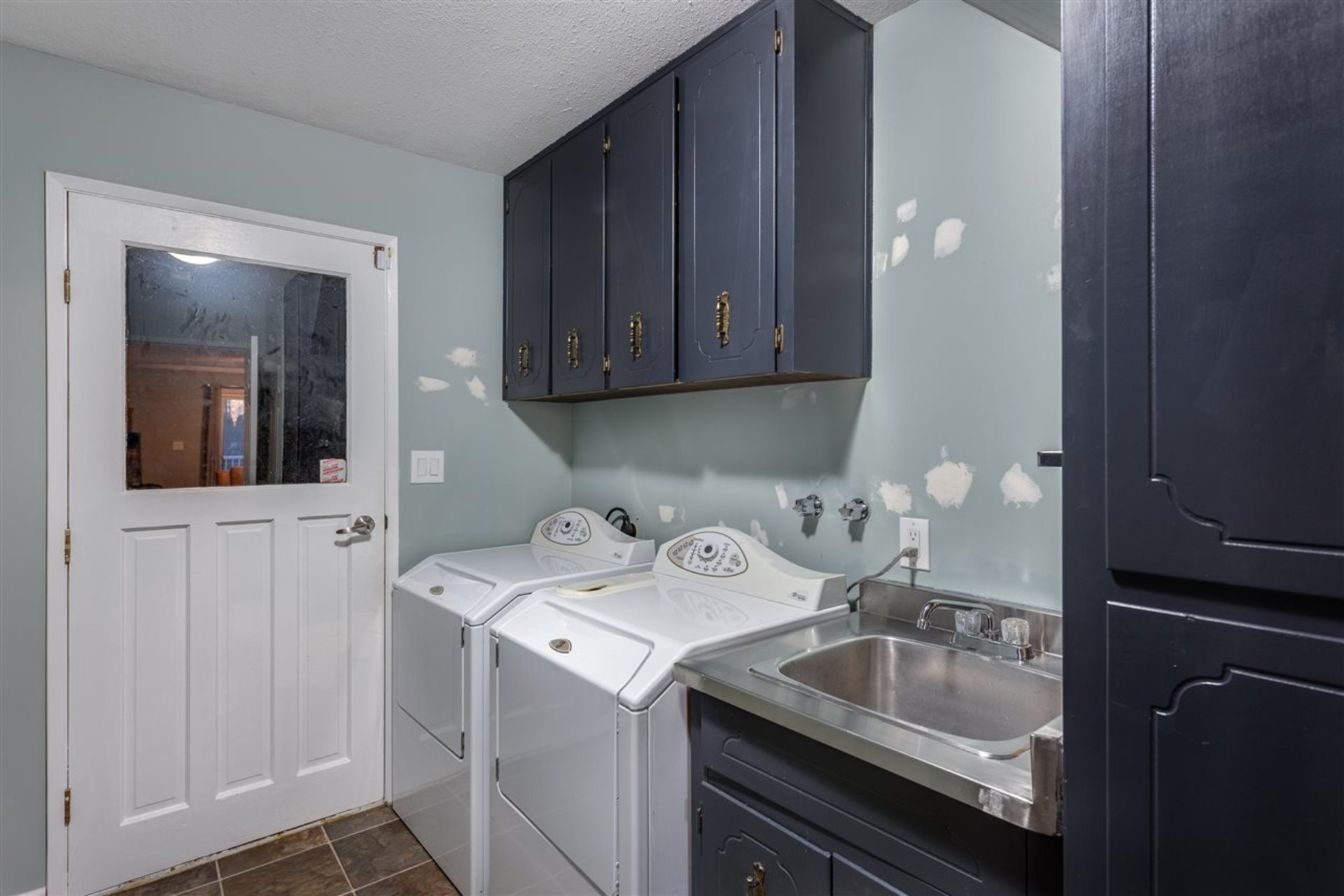 Laundry Room at 6060 Marine Drive, Big Bend, Burnaby South