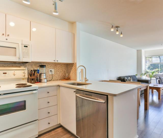 302 - 2388 Triumph Street, Hastings, Vancouver East 3