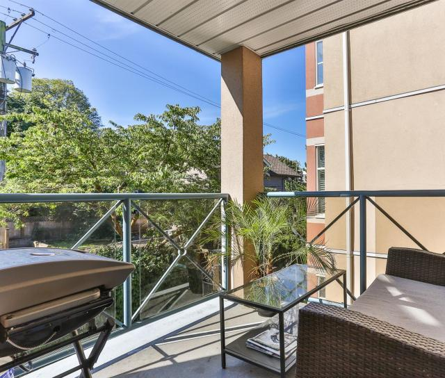 302 - 2388 Triumph Street, Hastings, Vancouver East 4