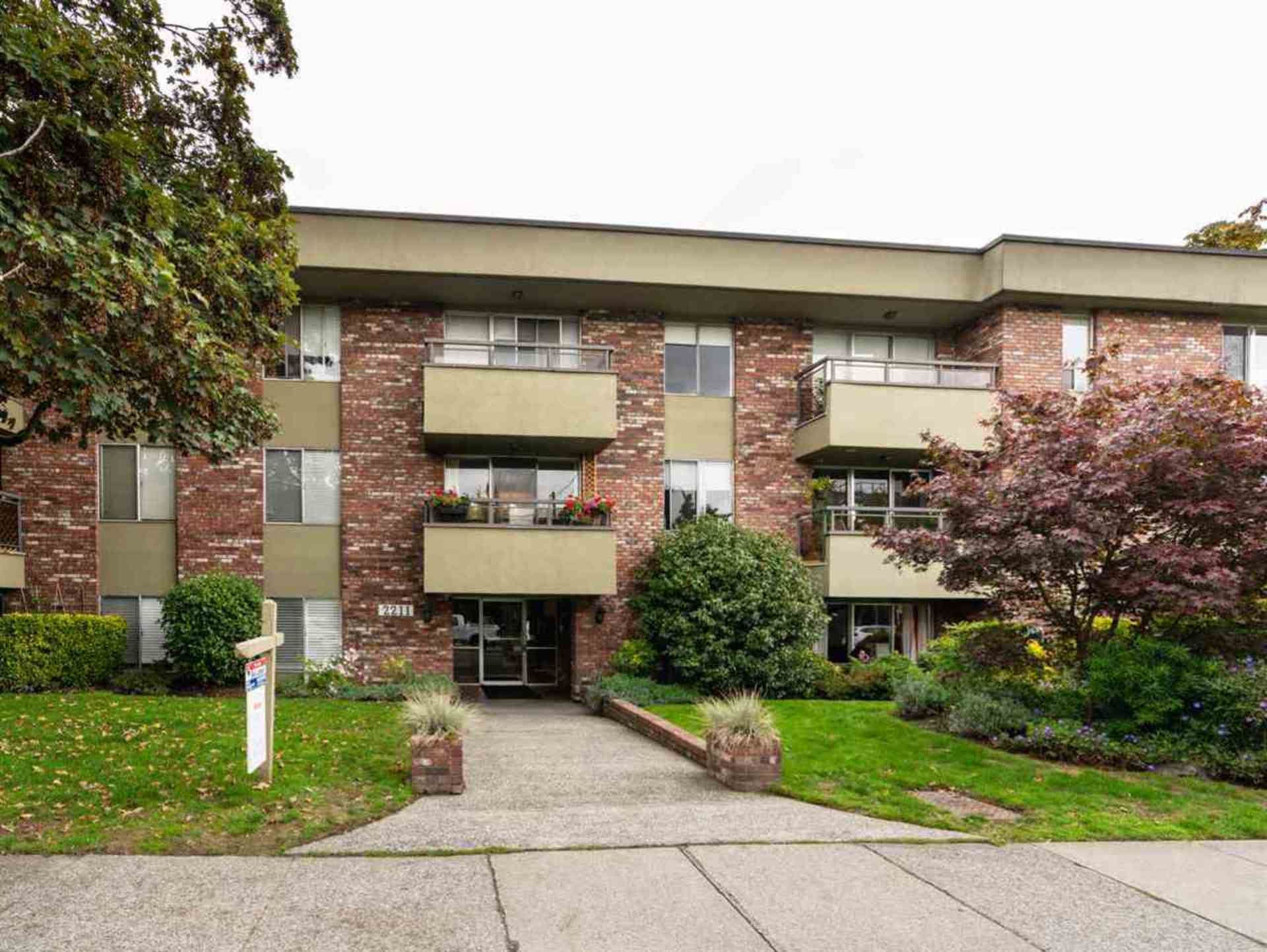 2211-w-5th-avenue-kitsilano-vancouver-west-15.jpg
